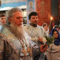 В канун праздника Успения Пресвятой Богородицы архиепископ Димитрий совершил всенощное бдение в одноименном храме города Витебска