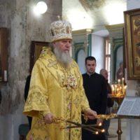 В Неделю 12-ю по Пятидесятнице архиепископ Витебский и Оршанский Димитрий совершил Божественную литургию в храме великомученицы Ирины города Москвы